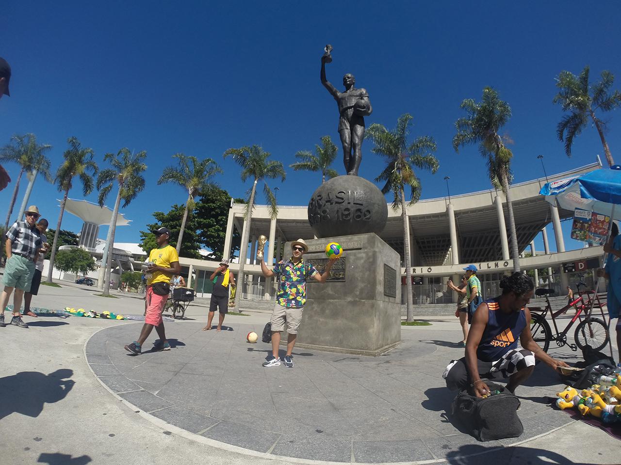 Foto en la entrada de MAracanã durante o City tour Cristo Redentor