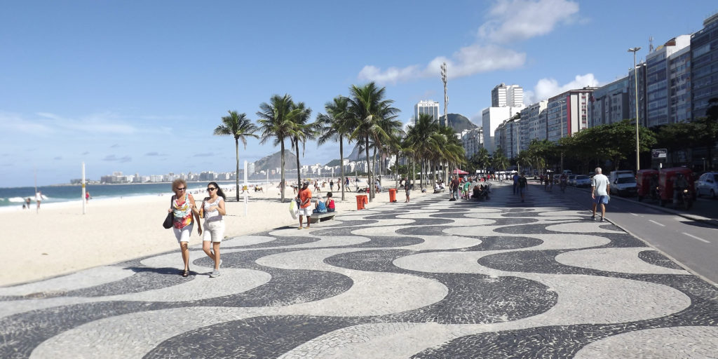 7-praias-para-visitar-na-cidade-do-rio-de-janeiro-praia-de-copacabana